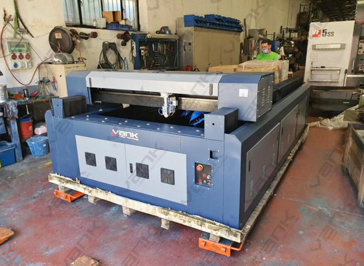 Vank exported 1325 CO2 laser engraving cutting machine to the Philippines.